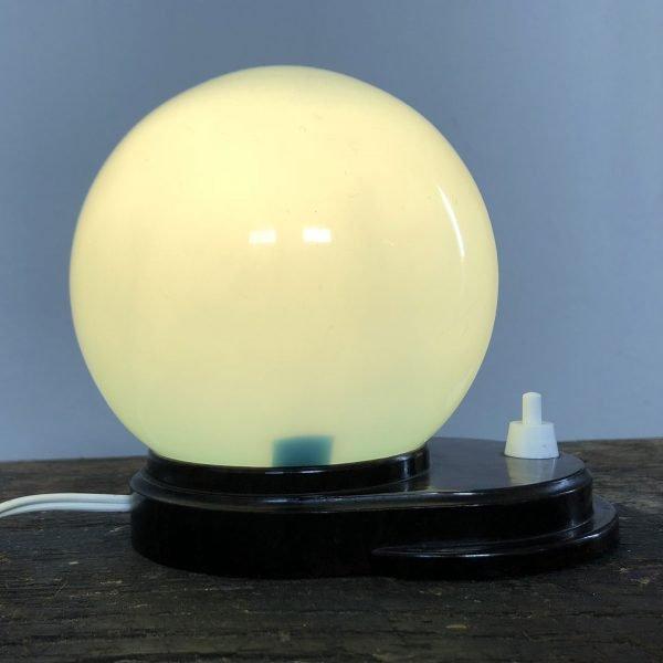 lampada-vetro-opalino-azzurro-accesa-fianco