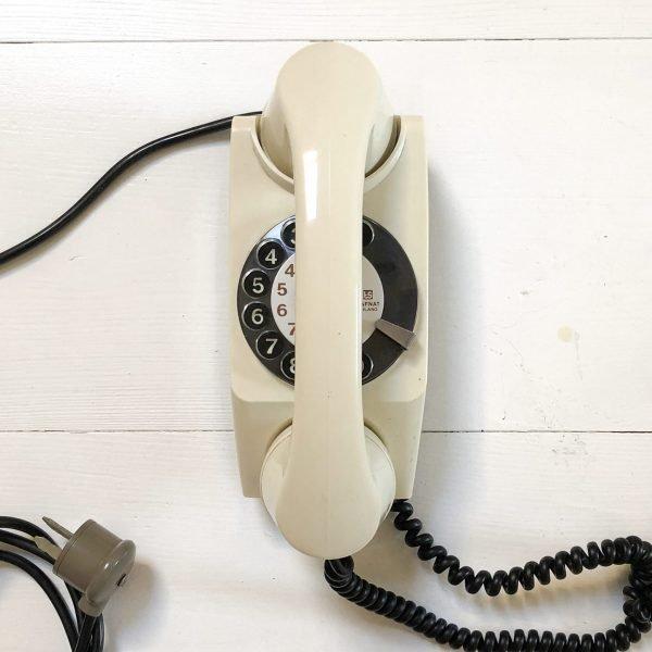 Telefono a disco anni 80 modello Chicco sopra