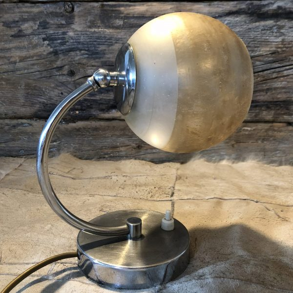 Lampada vintage da comodino stile art decò