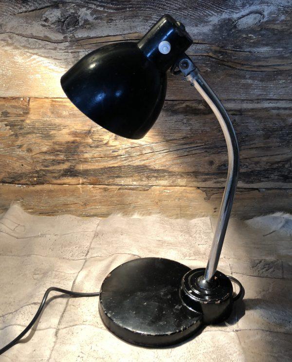 lampada-da-tavolo-industriale-nera-1