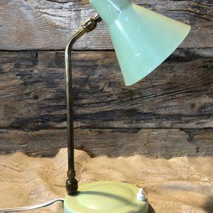Lampada vintage da comodino con stelo in ottone
