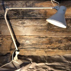 Lampada vintage industriale due bracci colore bianco panna acido