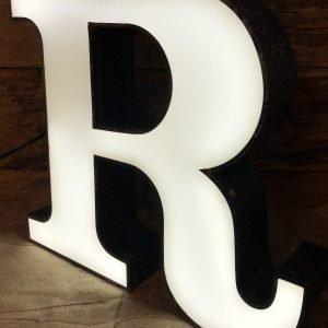 Lettera R vintage scatolata in ferro blu plexiglass bianco illuminata led