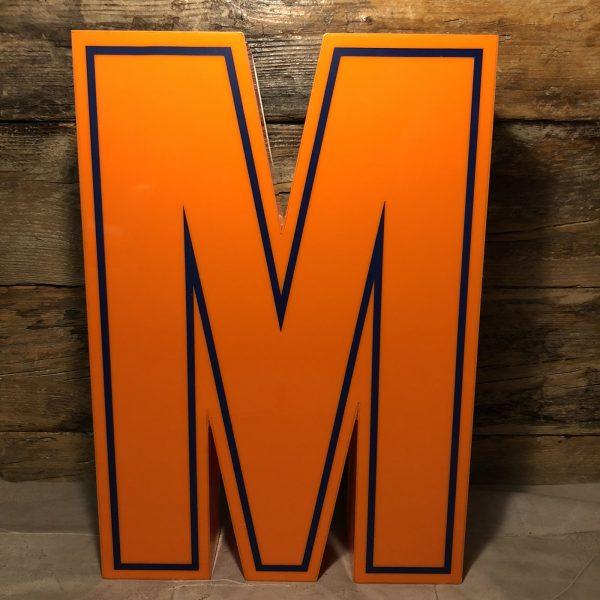 M - Lettera Vintage da Arredamento | Insegna in Plex. Arancio