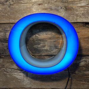 Lettera Vintage insegna O – in plexiglass bordo grigio e blu