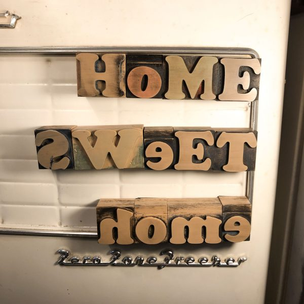 caratteri tipografici vintage scritta home sweet home
