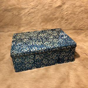 Scatola latta vintage fiorellini bianco azzurro