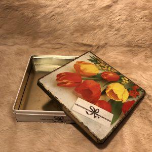 Scatola latta vintage Tulipani pasticceria Perugina