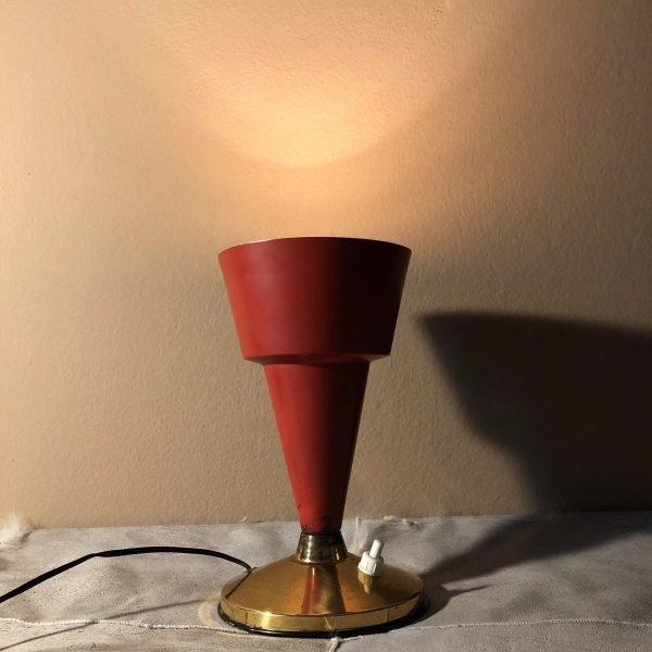 lampada da tavolo a calice rossa mid century