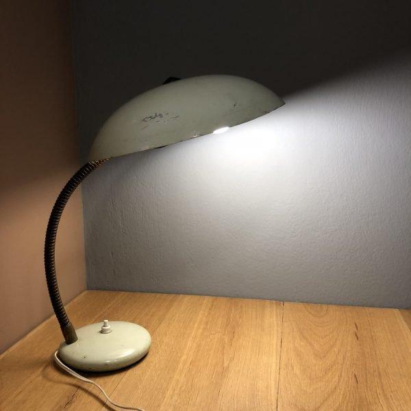 lampada da comodino mid-century vede acqua accesa