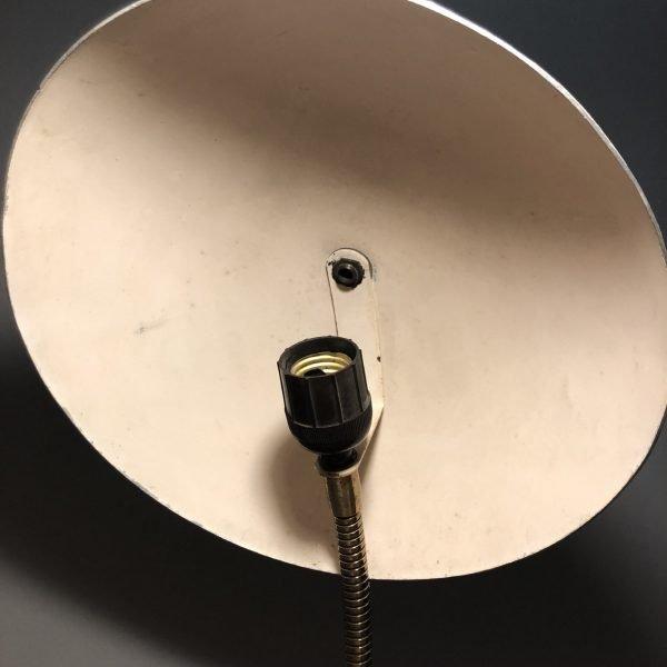 lampada da comodino mid-century vede acqua dettaglio parabola interna