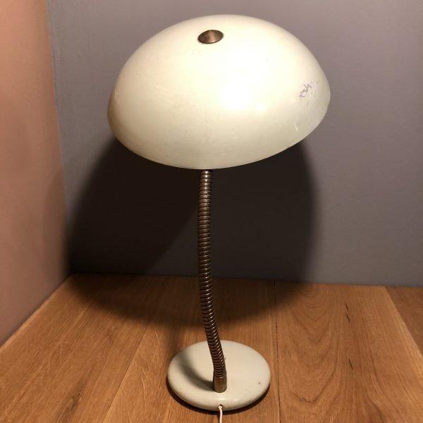 lampada da comodino mid-century vede acqua dietro