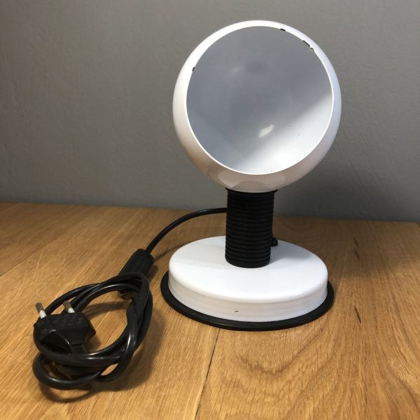 lampada da tavolo vintage bianca