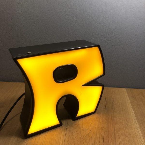 lettera-r-vintage-insegna-scatolata-in-ferro-e-plexiglas (9)