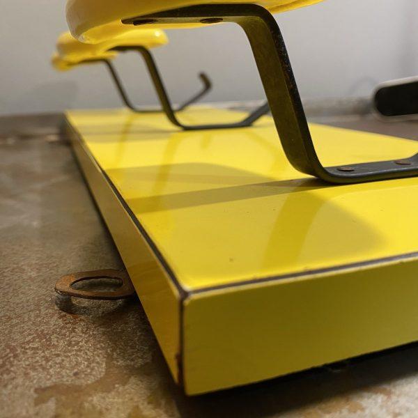 appendiabili-anni-60-70-da-muro-giallo-dettaglio-lato (A scelta)