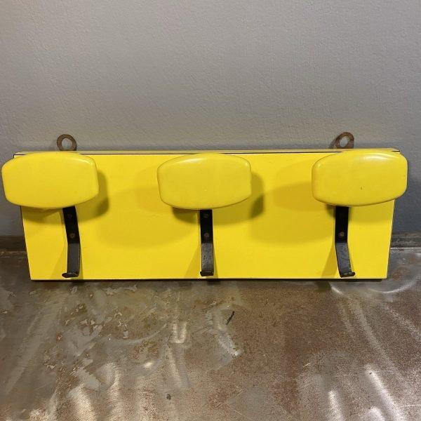 Appendiabiti vintage anni 60-70 da muro colore giallo