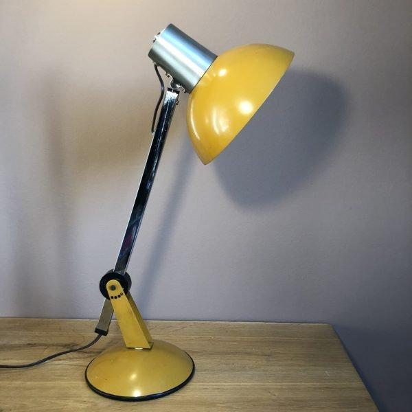 Lampada da tavolo giallo senape