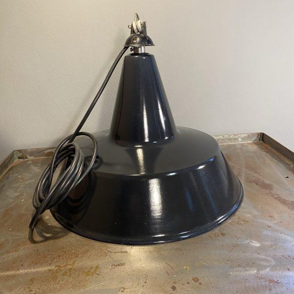 lampadario industriale vintage a campana smaltata