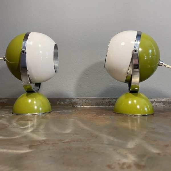 Coppia Lampade Eyeball anni 70 space age colore bianco base verde
